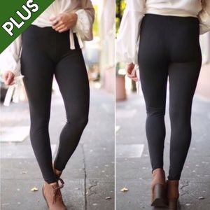 Last pair! PLUS black buttery soft leggings